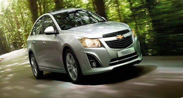 Что выбрать: Chevrolet Cruze или Hyundai Solaris